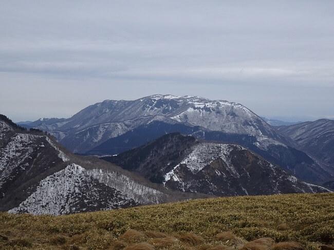 竜ヶ岳山頂から見た御池岳