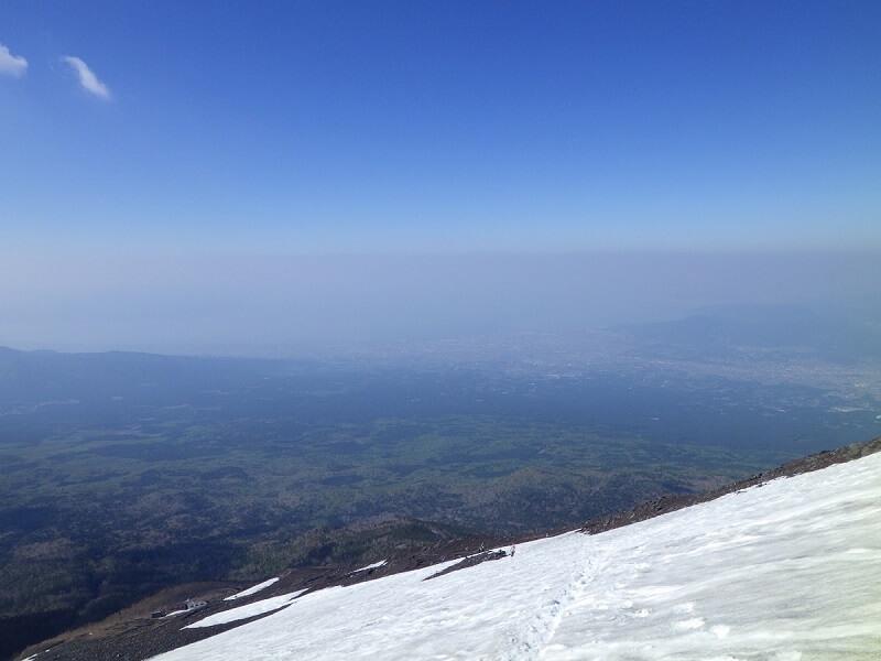 残雪着の富士宮ルートの下山時の景色 その2