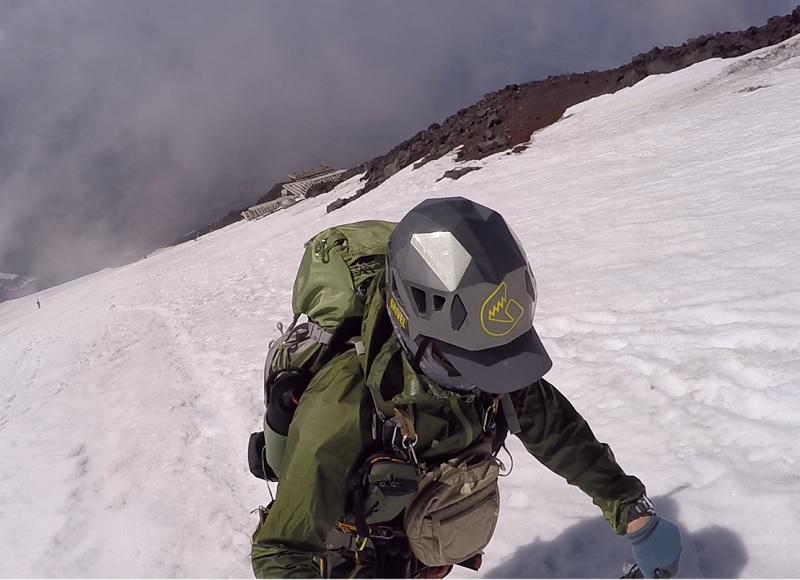 エアシェルジャケットを富士登山で使用してみた