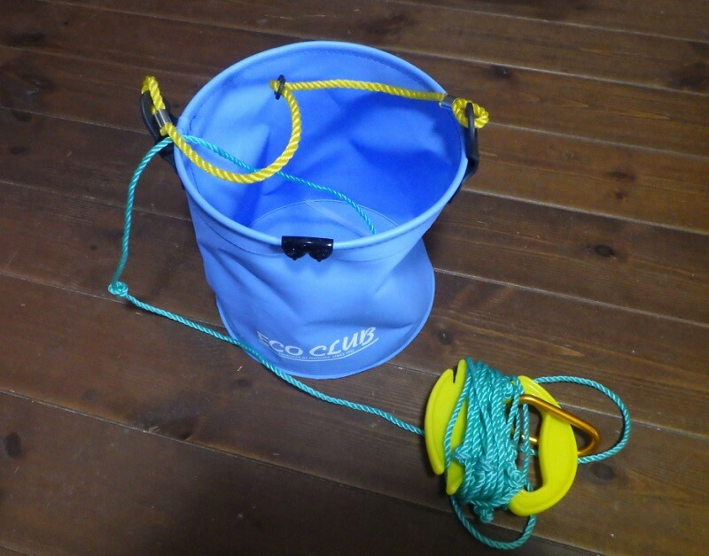 釣り用の水汲みバケツ
