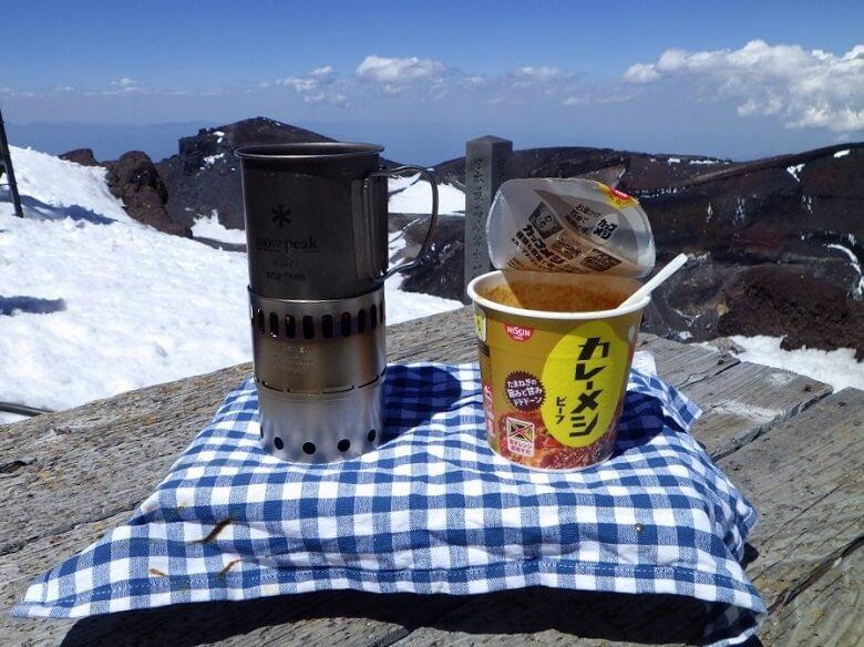 エバニューのアルコールストーブは登山でも使える