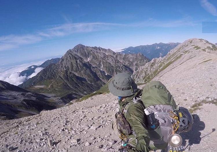 立山縦走 別山南峰から劔岳を望む