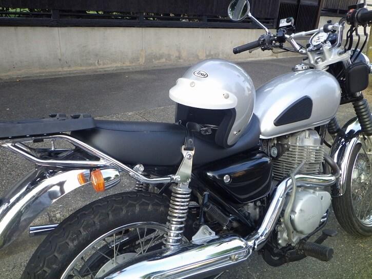 CL400にはジェットヘルメットが似合う