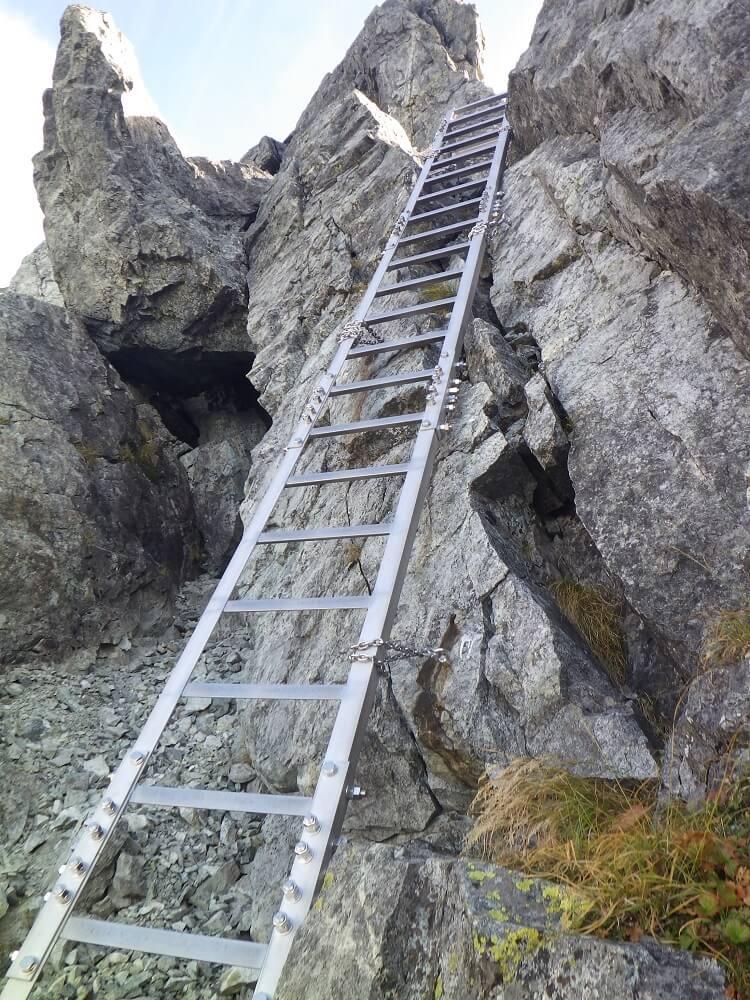 剱岳 カニのヨコバイからの長梯子