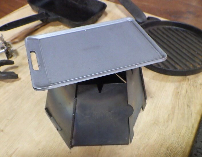 be-pal11月号SHO'S肉厚鉄板とバーゴのヘキサゴンストーブ