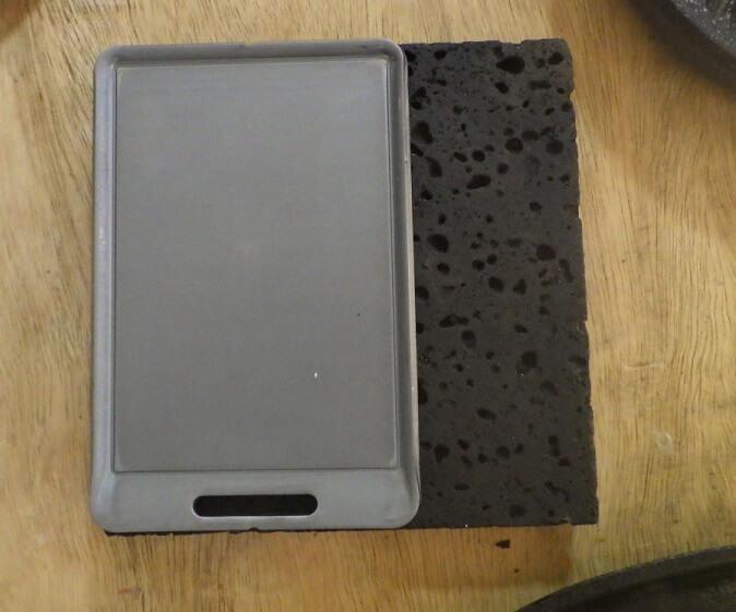 SHO'S×ビーパル肉厚鉄を板焼肉用溶岩プレートと比較
