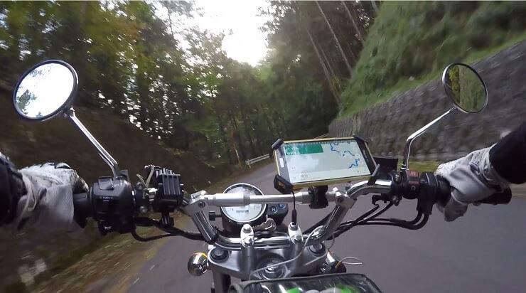 陣馬形山キャンプ場へ続くワイディングロード