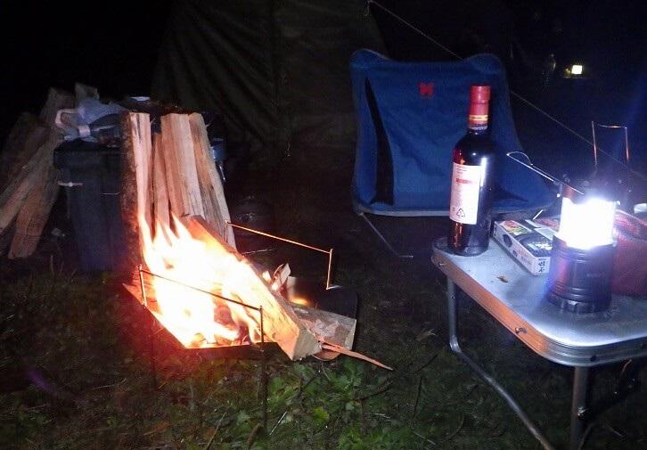 陣馬形山キャンプ場で焚き火