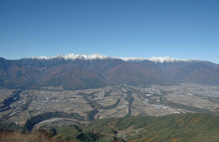 陣馬形山からの景色・展望 中央アルプス