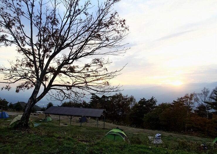 陣馬形山キャンプ場の日没