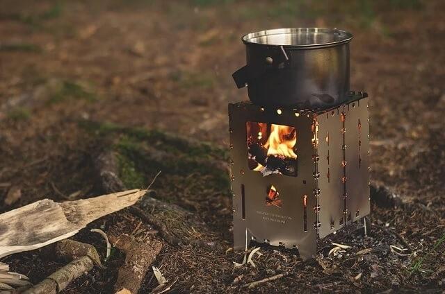 キャンプツーリングに最適な焚き火台