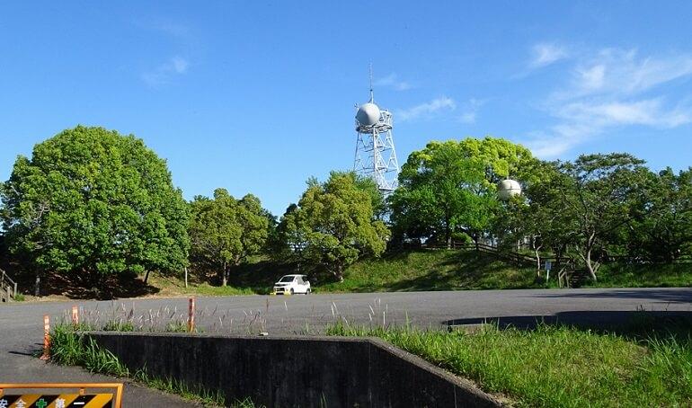 愛知池の西側駐車場