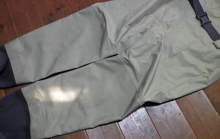オービス クリアウォーターウェーダーの特徴 膝下は5層パネルで強化