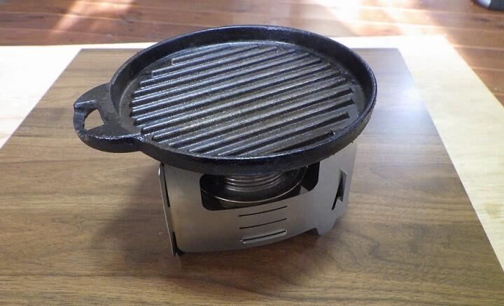 ブッシュボックス ウルトラライトに焼肉用グリルを載せる