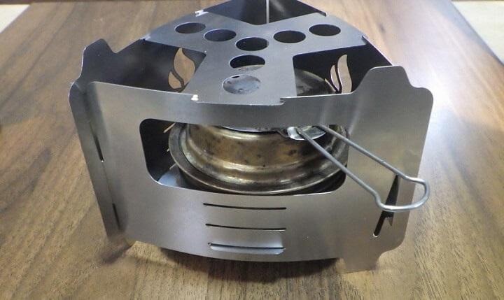 アルコールストーブの消化蓋も使えるブッシュボックスのウルトラライト