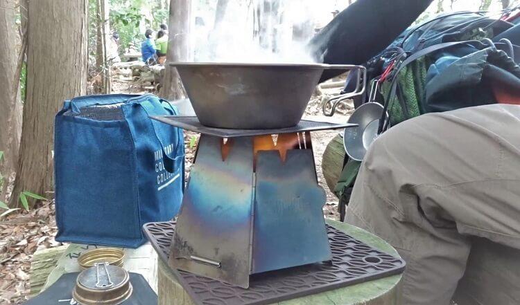 アルコールストーブとシェラカップで作る登山飯 ミニラーメン