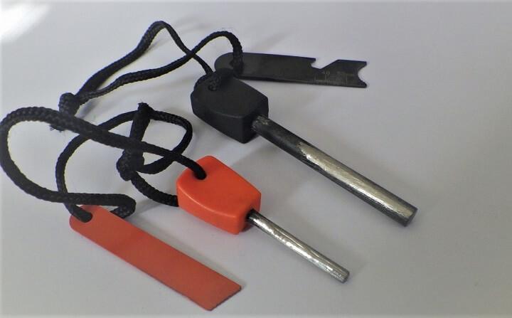 セリアのファイヤースターターとブッシュクラフト用のファイヤースターターを比較