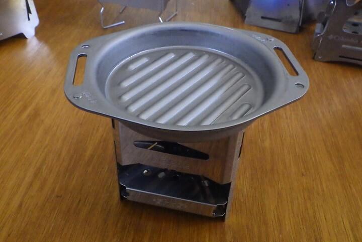SHO'Sのミニ焚き火台×肉厚グリルパン