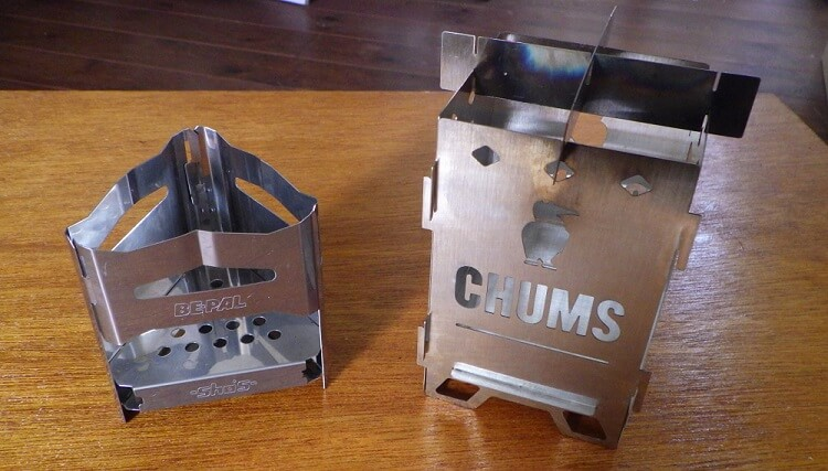 ビーパルのミニ焚き火台とチャムスの焚き火台SOLO