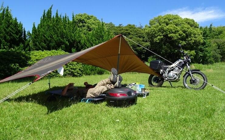 バイクでのキャンプ、キャンツーに適したテーブル紹介
