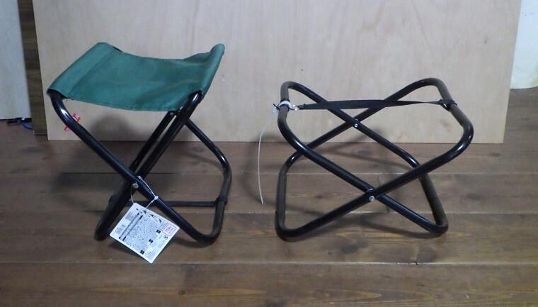 ダイソーのレジャー椅子を焚き火テーブルの脚として利用する